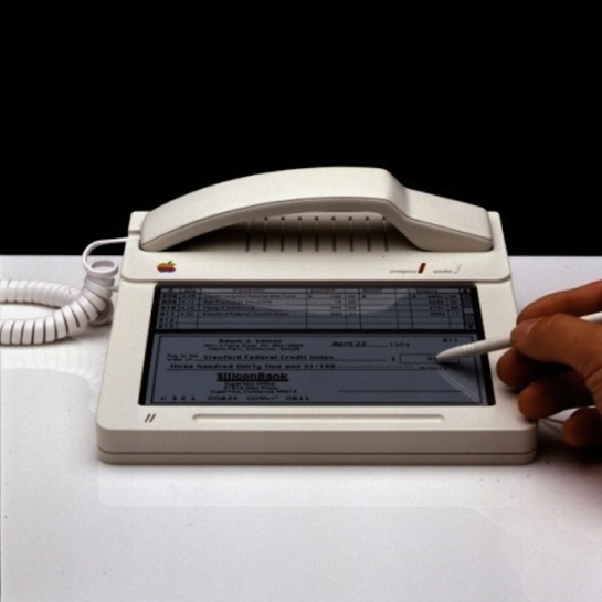 apple telefono 1983