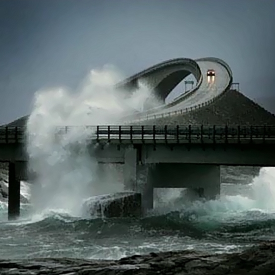 Tormenta azontanto la Atlantic Road