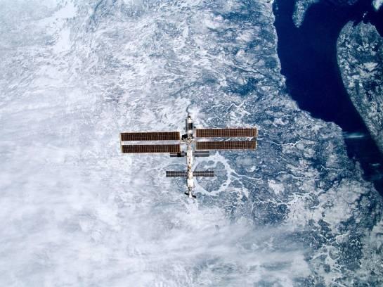La ISS sobre el cráter Manicouagan