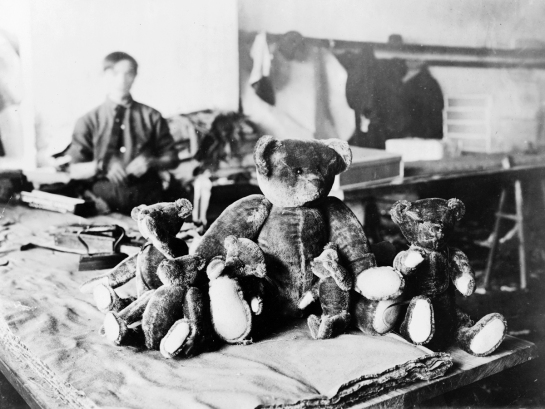 Fábrica de Tedy Bears, Nueva York 1915.