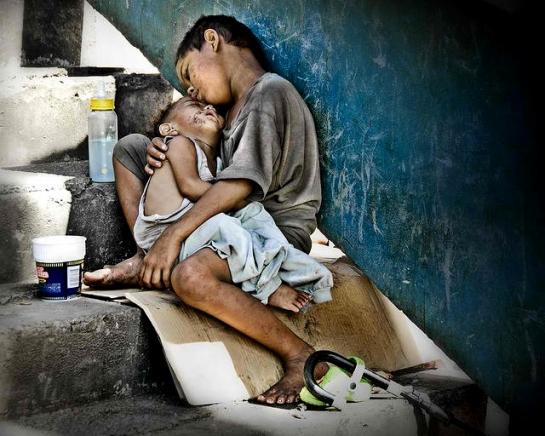 Niños de la calle en Manila, Filipinas