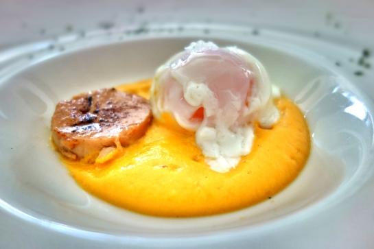 Restaurante Plácifo, Huevo a baja temperatura con espuma de calabaza y foie caramelizado